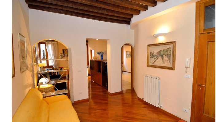 Venice Apartments, Venice Apartment For Rent, Accommodation in Venice